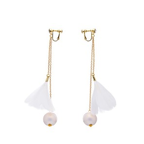 cheap Earrings-Women's Clip on Earring Feather Simple Elegant Earrings Jewelry White / Light Pink For Wedding Prom One-piece Suit