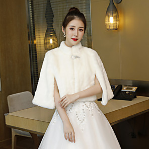 cheap Wedding Wraps-Sleeveless Capelets Faux Fur Wedding / Party / Evening Women's Wrap With Crystal Brooch