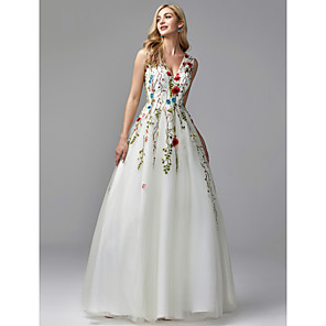 cheap Women's Sandals-A-Line Floral White Quinceanera Formal Evening Dress V Neck Sleeveless Floor Length Lace Tulle with Embroidery Appliques 2020