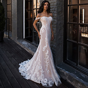 cheap Historical & Vintage Costumes-Mermaid / Trumpet Wedding Dresses Sweetheart Neckline Court Train Lace Regular Straps Boho Illusion Detail with Lace 2020