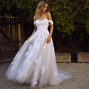 cheap Duvet Cover Sets-A-Line Wedding Dresses Sweetheart Neckline Court Train Lace Tulle Cap Sleeve Glamorous Backless with Appliques 2020