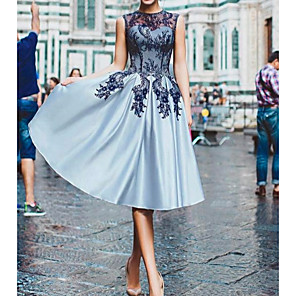 cheap Latin Dancewear-A-Line Floral Blue Cocktail Party Prom Dress Illusion Neck Sleeveless Knee Length Lace Satin with Appliques 2020