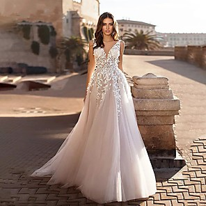 cheap Party Sashes-A-Line Wedding Dresses V Neck Sweep / Brush Train Lace Spaghetti Strap Country Boho with 2020