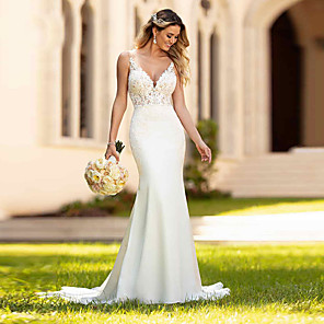 cheap Wedding Slips-Mermaid / Trumpet Wedding Dresses V Neck Court Train Lace Spaghetti Strap Casual Vintage with 2020