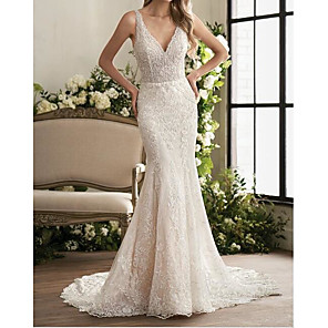 cheap Eyeshadows-Mermaid / Trumpet Wedding Dresses V Neck Sweep / Brush Train Lace Sleeveless Country Plus Size with Lace Embroidery 2020