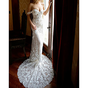 cheap Wedding Dresses-Sheath / Column Wedding Dresses Sweetheart Neckline Chapel Train Lace Sleeveless Vintage Sexy Wedding Dress in Color with Lace Insert Appliques 2020