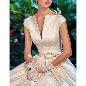cheap Wedding Slips-A-Line Wedding Dresses V Wire Sweep / Brush Train Lace Satin Short Sleeve Formal Vintage Sexy with Sashes / Ribbons Embroidery 2020