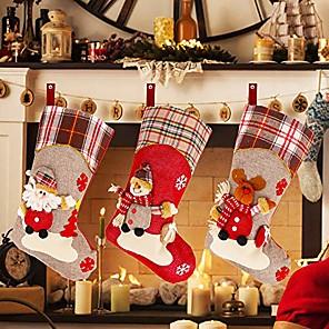 Недорогие Рождественский декор-рождественские чулки, 18-дюймовый набор из 3 плюшевых оленей Санта-Снеговик для рождественского домашнего декора, мягкие подвесные игрушки на елку, подарочный пакет для конфет, рождественские