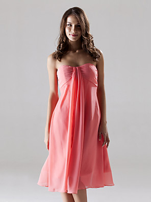 cheap Wedding Dresses-Sheath / Column Strapless / Sweetheart Neckline Knee Length Chiffon Bridesmaid Dress with Ruched
