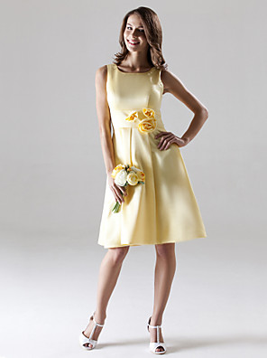 cheap Wedding Dresses-A-Line Straps Knee Length Satin Bridesmaid Dress with Draping / Flower
