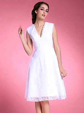 cheap Mother of the Bride Dresses-A-Line Mother of the Bride Dress V Neck Knee Length Lace Satin Sleeveless with Lace Ruched 2020