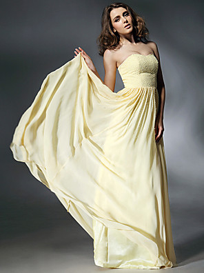 cheap Cocktail Dresses-Ball Gown Elegant All Celebrity Styles Inspired by Emmy Prom Formal Evening Military Ball Dress Strapless Sweetheart Neckline Sleeveless Sweep / Brush Train Chiffon with Pleats Pearls 2020