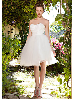 cheap Bridesmaid Dresses-Ball Gown Wedding Dresses Sweetheart Neckline Knee Length Taffeta Tulle Strapless See-Through with Ruched Criss-Cross 2020