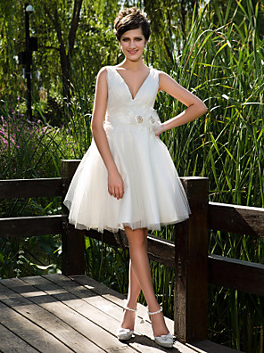 cheap Wedding Dresses-Ball Gown Wedding Dresses V Neck Knee Length Tulle Sleeveless See-Through with Sash / Ribbon Flower Button 2020