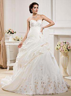 cheap Wedding Dresses-Ball Gown Wedding Dresses Sweetheart Neckline Court Train Taffeta Sleeveless with Pick Up Skirt Ruched Beading 2020