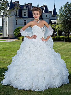 cheap Wedding Dresses-Ball Gown Wedding Dresses Strapless Sweetheart Neckline Chapel Train Organza Sleeveless with 2020 / Yes