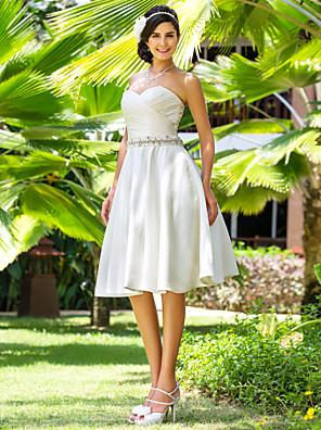 cheap Wedding Dresses-A-Line Wedding Dresses Sweetheart Neckline Knee Length Satin Strapless Country Beach Little White Dress Plus Size with Sash / Ribbon Beading Criss-Cross 2020