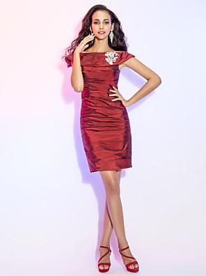 cheap Bridesmaid Dresses-Sheath / Column Cocktail Party Dress Off Shoulder Sleeveless Short / Mini Taffeta with Ruched Beading 2020