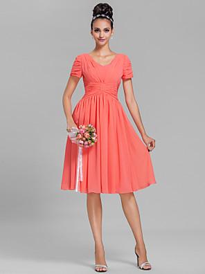 cheap Bridesmaid Dresses-Sheath / Column V Neck Knee Length Chiffon Bridesmaid Dress with Ruched / Draping
