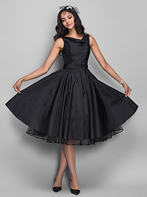 cheap Prom Dresses-Ball Gown 1950s Black Cocktail Party Prom Dress V Neck Sleeveless Knee Length Taffeta with Pleats Crystals 2020
