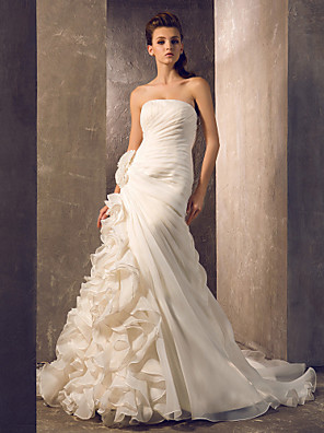 cheap Wedding Dresses-Mermaid / Trumpet Wedding Dresses Strapless Court Train Organza Sleeveless with Flower Cascading Ruffle Side-Draped 2020