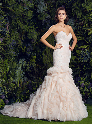 cheap Wedding Dresses-Mermaid / Trumpet Wedding Dresses Sweetheart Neckline Court Train Tulle Corded Lace Strapless Vintage Sexy Illusion Detail with Appliques Cascading Ruffles 2020