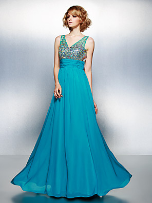 cheap Evening Dresses-A-Line Sparkle & Shine Prom Dress V Neck Sleeveless Floor Length Chiffon with Ruched Crystals Beading 2020