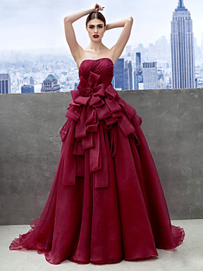 cheap Evening Dresses-Ball Gown Elegant Floral Prom Formal Evening Dress Sweetheart Neckline Sleeveless Chapel Train Organza with Tier 2020