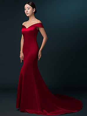 cheap Evening Dresses-Mermaid / Trumpet Formal Evening Dress Off Shoulder Sweep / Brush Train Satin with Pleats 2020