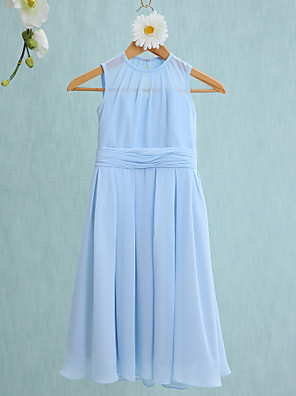cheap Cocktail Dresses-Sheath / Column Jewel Neck Knee Length Chiffon Junior Bridesmaid Dress with Ruched / Natural