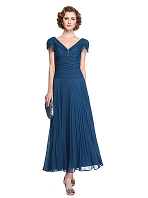 cheap Special Occasion Dresses-Sheath / Column Mother of the Bride Dress Elegant V Neck Tea Length Chiffon Short Sleeve with Pleats 2020