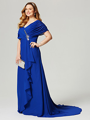 cheap Bridesmaid Dresses-A-Line V Neck Court Train Chiffon Short Sleeve Elegant / Plus Size / Open Back Mother of the Bride Dress with Criss Cross / Pleats / Crystals Mother's Day 2020 / Butterfly Sleeve