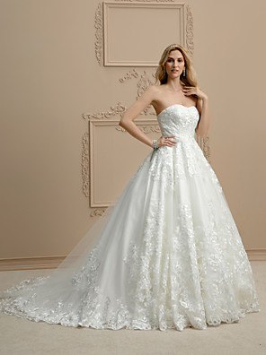 cheap Evening Dresses-Ball Gown Wedding Dresses Sweetheart Neckline Chapel Train Lace Strapless Open Back Floral Lace with Appliques 2020