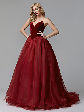 cheap Prom Dresses-Ball Gown Luxurious Red Quinceanera Formal Evening Dress Strapless Sleeveless Court Train Tulle Velvet with Pleats 2020