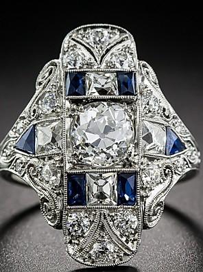 abordables Montres Quartz-Femme Bague Fantaisie Grosse Saphir synthétique 1pc Bleu Alliage Forme Géométrique Luxe Européen Mariage Cadeau Bijoux Paver Fleur Cool