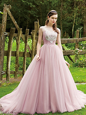 cheap Special Occasion Dresses-Ball Gown Elegant & Luxurious Quinceanera Dress Boat Neck Sleeveless Court Train Lace Tulle with Sash / Ribbon 2020