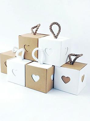 cheap Junior Bridesmaid Dresses-Cubic Kraftpaper Favor Holder with Sash / Ribbon Household Sundries / Home Decroration / Favor Boxes - 50 pcs