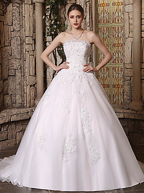 cheap Wedding Dresses-Ball Gown Wedding Dresses Strapless Chapel Train Lace Tulle Strapless with Lace Buttons Beading 2020