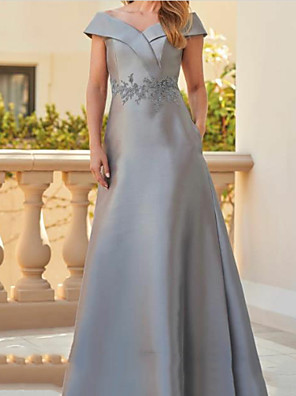 cheap Evening Dresses-A-Line Mother of the Bride Dress Elegant & Luxurious Off Shoulder Floor Length Satin Short Sleeve with Appliques Ruching 2020