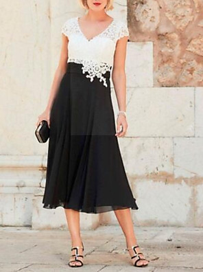 cheap Mother of the Bride Dresses-A-Line Mother of the Bride Dress Plus Size Plunging Neck Tea Length Chiffon Lace Short Sleeve with Appliques 2020
