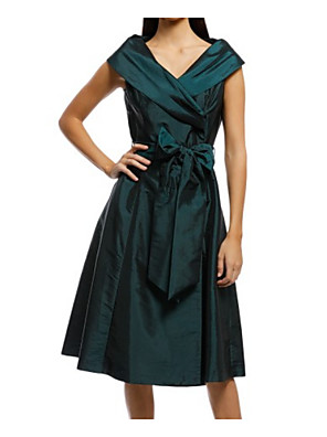 cheap Mother of the Bride Dresses-A-Line Mother of the Bride Dress Plus Size V Neck Tea Length Taffeta Sleeveless with Sash / Ribbon Bow(s) 2020