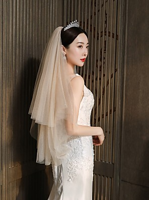 cheap Wedding Veils-Two-tier Classic & Timeless Wedding Veil Fingertip Veils with Solid 35.43 in (90cm) Tulle