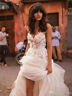 cheap Wedding Dresses-A-Line Wedding Dresses V Neck Court Train Lace Tulle Strapless Country Boho Illusion Detail Backless with Appliques 2020