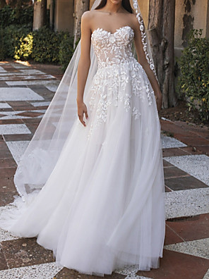 cheap Evening Dresses-A-Line Wedding Dresses Sweetheart Neckline Sweep / Brush Train Tulle Strapless Country Beach Illusion Detail with Appliques 2020