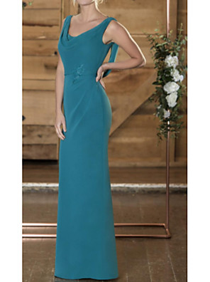 cheap Evening Dresses-Sheath / Column Mother of the Bride Dress See Through Scoop Neck Floor Length Chiffon Sleeveless with Lace 2020