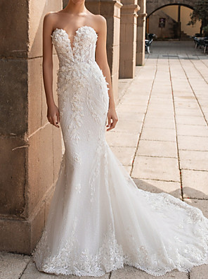 cheap Wedding Dresses-Mermaid / Trumpet Wedding Dresses Sweetheart Neckline Court Train Lace Strapless Mordern Sparkle & Shine with Appliques 2020