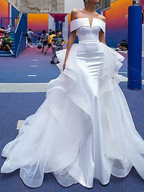 cheap Wedding Dresses-A-Line Wedding Dresses Off Shoulder Court Train Satin Short Sleeve Country Simple Plus Size Modern with Cascading Ruffles 2020