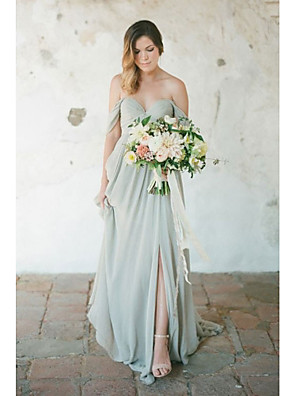 cheap Prom Dresses-A-Line Sweetheart Neckline Floor Length Chiffon Bridesmaid Dress with Pleats / Split Front