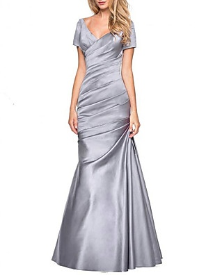 cheap Evening Dresses-A-Line Mother of the Bride Dress Elegant & Luxurious Plunging Neck Floor Length Satin Short Sleeve with Ruching 2020