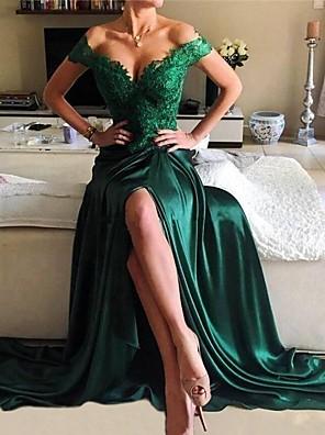 hesapli Balo Elbiseleri-A-Şekilli Zarif Yeşil Balo Resmi Akşam Elbise Düşük Omuz Kısa Kollu Süpürge / Fırça Kuyruk Dantelalar Saten ile Ayrık Aplik 2020